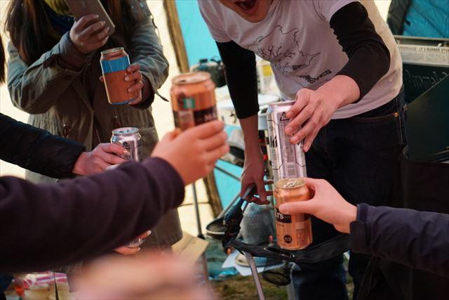 昼間から乾杯!春キャンプのススメ。