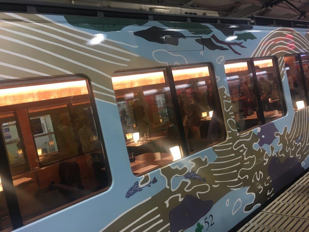 全席レストラン車両観光電車「52席の至福」で過ごす、贅沢な週末。